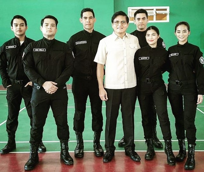 The Black Ops members of FPJ's Ang Probinsyano pose for off-cam snapshots!