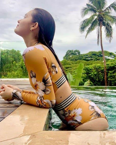 Kira Balinger sexy body