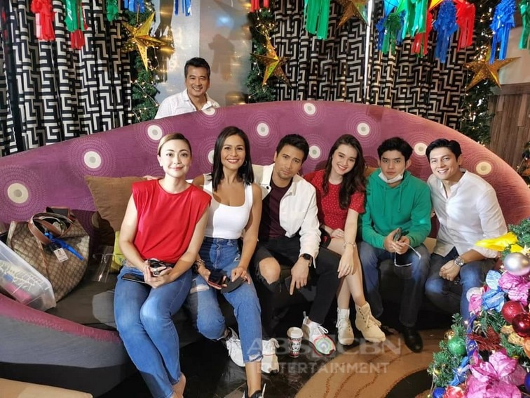 "Ang Sa Iyo Ay Akin cast gives hope, joy to hotel staff in ABS-CBN Christmas ID 2020: ""Ikaw Ang Liwanag At Ligaya"""
