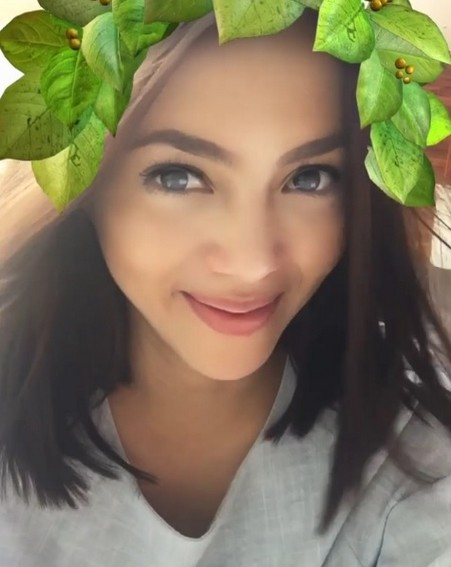 Check out Julia Montes' timeless beauty