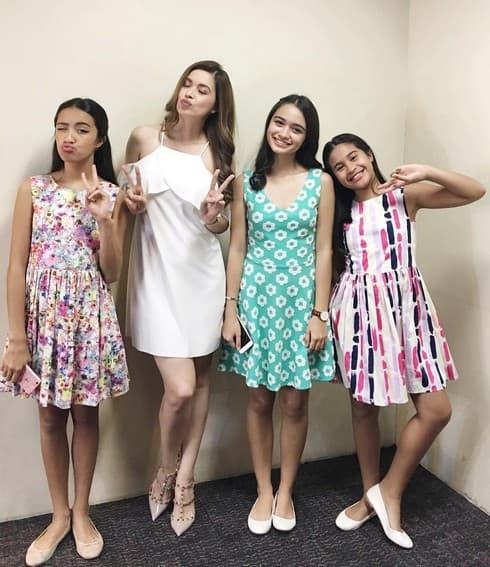 Sunshine Cruz & her daughters