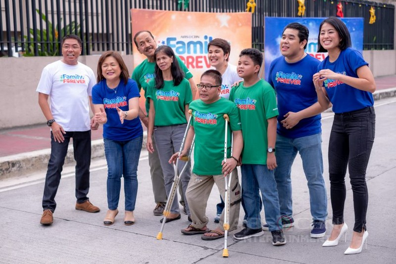 ABS-CBN pays tribute to enduring love of Family in 2019 Christmas Station ID