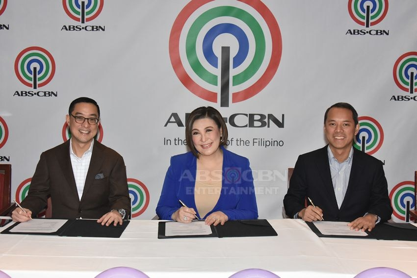 Megastar Sharon Cuneta inks a new contract with ABS-CBN