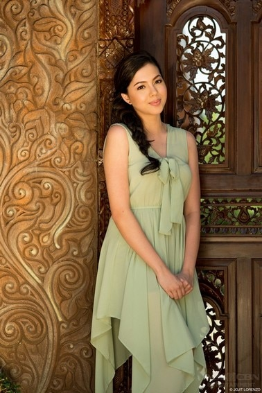 Julia Montes as Sarah in Muling Buksan Ang Puso (2013)