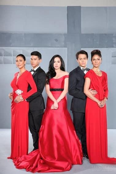 The cast of Muling Buksan Ang Puso (2013)