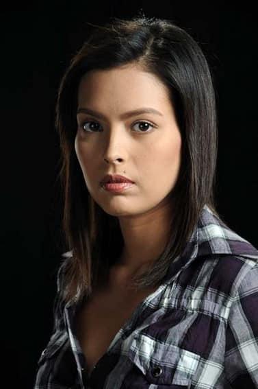 Desiree del Valle as Giselle in Nasaan Ka Elisa? (2011)