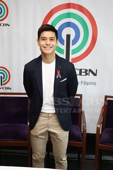 JC de Vera signs network contract with ABS-CBN