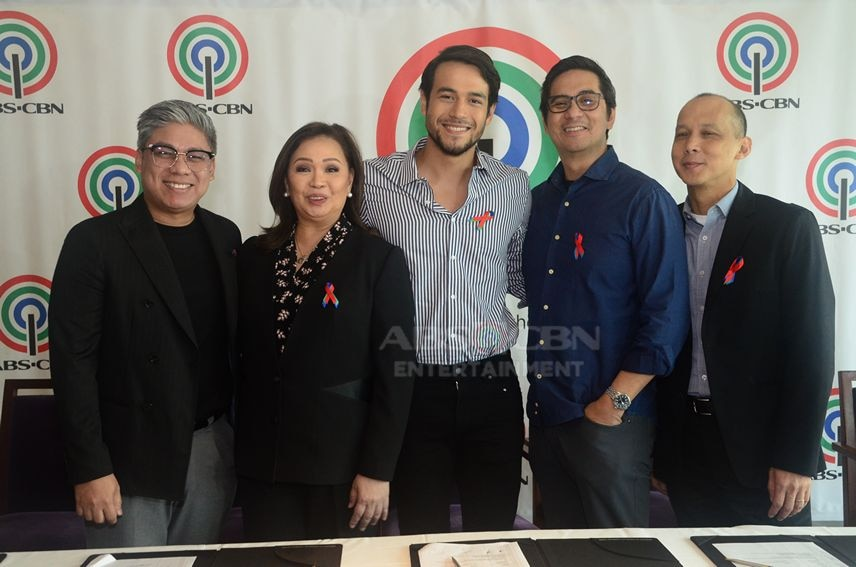 Kit Thompson signs first exclusive contract with ABS-CBN