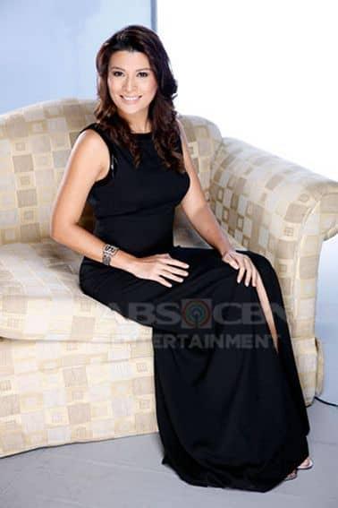 Mylene Dizon as Loretta in Tayong Dalawa (2009)