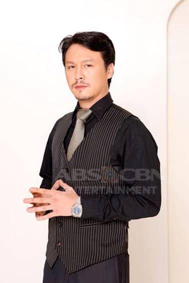 Baron Geisler as Leo in Tayong Dalawa (2009)