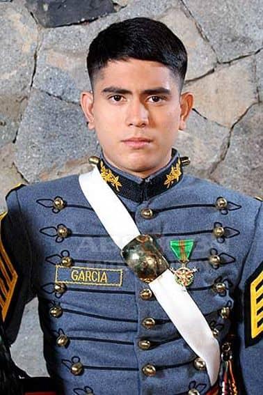 Gerald Anderson as David Garcia Jr/ JR in Tayong Dalawa (2009)