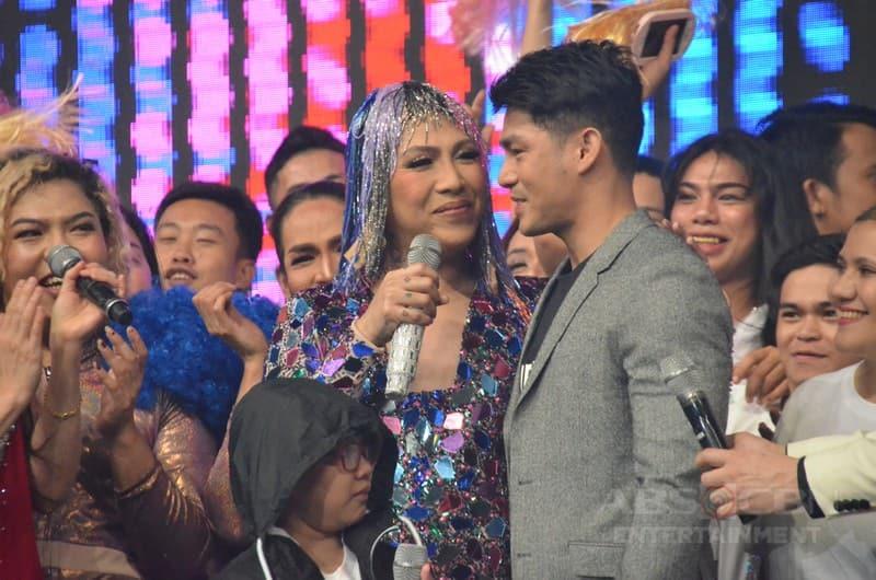 """TINGNAN: Ilang kilig na larawan ni Vice Ganda kasama ang kanyang """"katuwang sa buhay"""""""