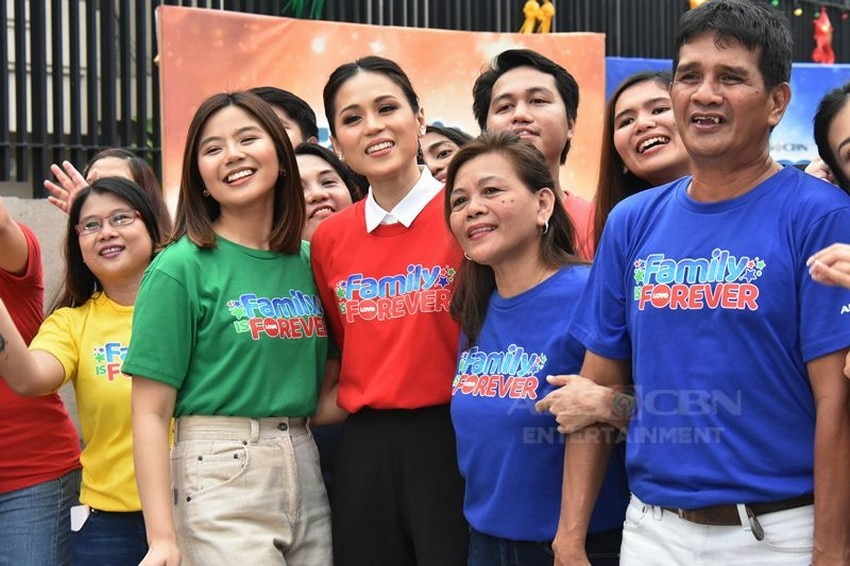 Home Sweetie Home Extra Sweet cast brings joy and fun in Family Is Forever Christmas station ID