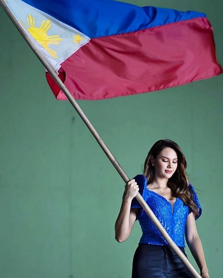 Miss Universe Catriona Gray It's Showtime wearing blue philippine flag