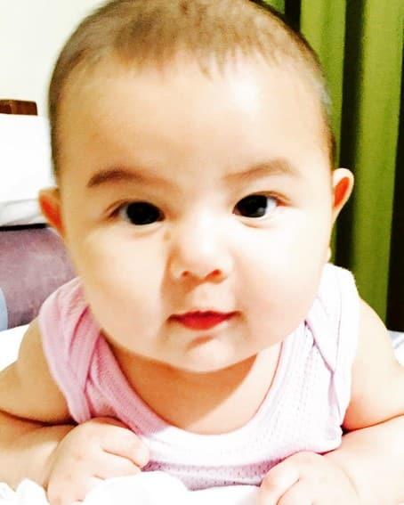 Beauty Gonzalez lovely daughter Olivia