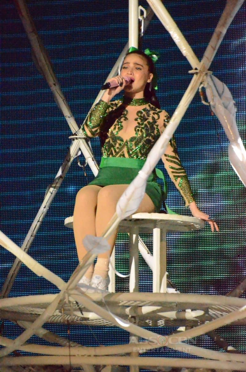 PHOTOS: Balikan ang buwis-buhay na performance ni Anne sa Magpasikat 2019!
