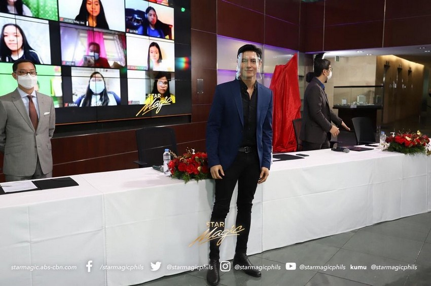 star magic shines on contract signing