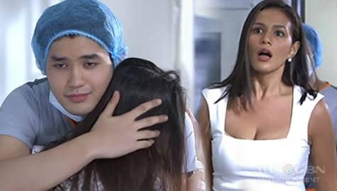 Ang Sa Iyo Ay Akin: Ellice, nahuli si Jake na kayakap si Hope Image Thumbnail