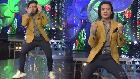 Erik Santos shows off new dance moves on the ASAP Natin 'To stage! Image Thumbnail