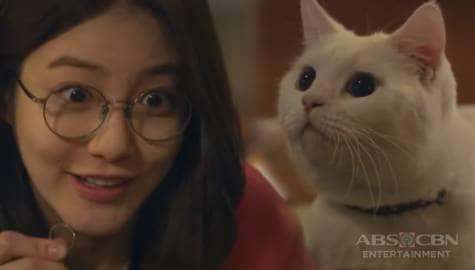 Meow, The Secret Boy: Sophie, ipinakita ang lucky ring niya kay Elmo Image Thumbnail