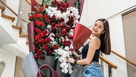 Umagang Kay Ganda: Kim Chui, nakatanggap ng malaking bouquet of flowers mula kay Xian Lim Image Thumbnail