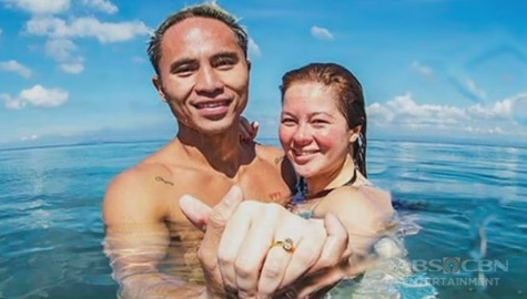 TV Patrol: Jaclyn Jose, binansagang 'Most Romantic Proposal' ng surfer na si Philmar kay Andi Image Thumbnail