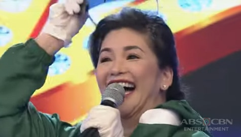 TV Patrol: Regine Velasquez, ginulat ang madlang pipol at hosts ng It's Showtime Image Thumbnail