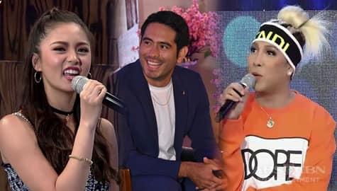 It's Showtime: Kim Chiu, isinumbong kay direk Bobet ang pang-aasar ni Vice Ganda Image Thumbnail