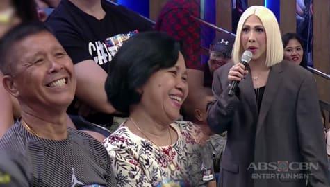 It's Showtime: Vice Ganda, nilapitan sa Madlang People ang ina ni Jhong Hilario Image Thumbnail