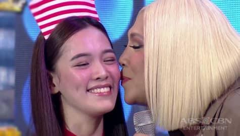 It's Showtime: Vice Ganda kisses Ate Girl Jackque! Image Thumbnail