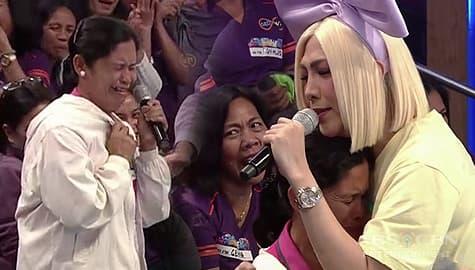 It's Showtime: Vice Ganda, napaiyak ang ina ng TNT contender dahil sa ibinigay niyang tulong Image Thumbnail
