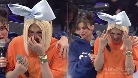 It's Showtime: Vice Ganda, napatalikod nalang bigla habang kausap si Anne! Image Thumbnail