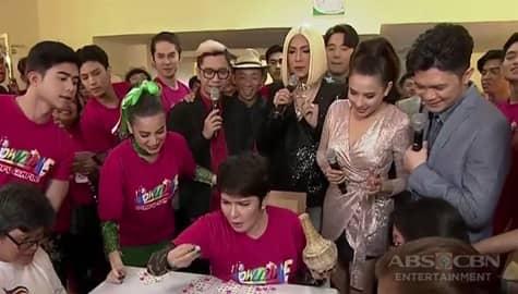 It's Showtime family, naabutang nagbi-bingo ang Team Anne & Tyang Amy sa backstage Image Thumbnail