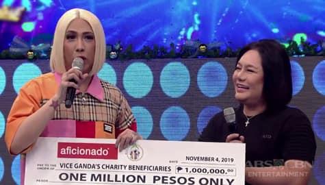 It's Showtime: Vice Ganda, natanggap ang 1 million pesos mula sa napanalunan sa Magpasikat 2019! Image Thumbnail