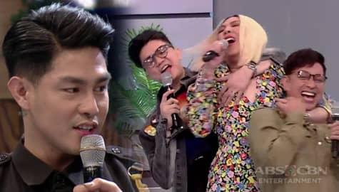 It's Showtime: Ion, kinampihan sina Jhong at Vhong laban kay Vice Ganda Image Thumbnail
