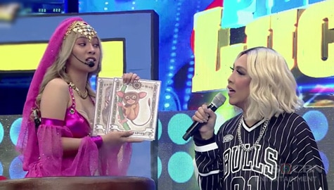 It's Showtime: Vice Ganda, tinanong kung may boyfriend na si Genie-Nga! Image Thumbnail