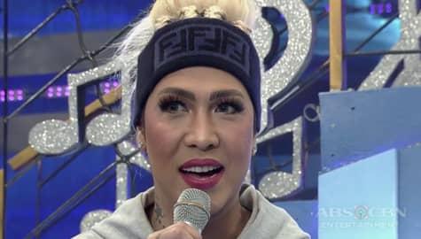 It's Showtime: Vice Ganda, may nakatutuwang lyrics sa kantang Huwag Ka Lang Mawawala Image Thumbnail