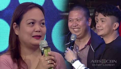 It's Showtime: Madlang People, gustong bilhin ang pamaypay ni ate Resel kapalit ng dolyar! Image Thumbnail