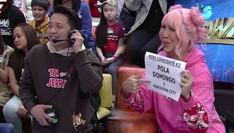 It's Showtime: Vice Ganda at Jhong, nakipagpalit ng trabaho sa mga staff Image Thumbnail