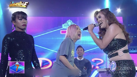It's Showtime: Vice Ganda, naaliw sa debate nina Elsa Droga at Kristine! Image Thumbnail
