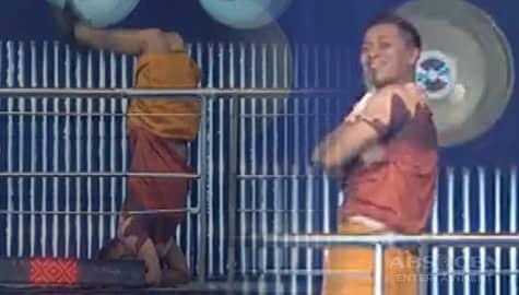 It's Showtime: Panoorin ang elbow stand ni Jhong na nagpahanga sa Madlang People! Image Thumbnail