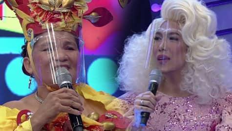 It's Showtime: Nanay Rebecca, malungkot dahil hindi niya mayakap si Vice Ganda Image Thumbnail
