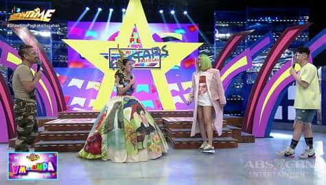 Vice, Jhong at Vhong, masayang nakipagbiruan sa isang guro | It's Showtime Image Thumbnail