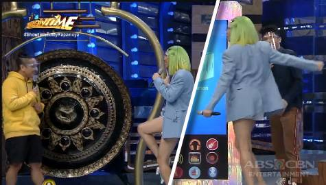Vice Ganda, gustong gumanti ng pa-simple kina Jhong at Vhong | It's Showtime Image Thumbnail