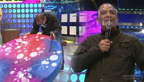Direk Bobet, biglang nagdabog! | It's Showtime Image Thumbnail