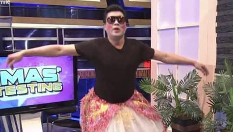 Randy Santiago, nag-ballet habang naka-make up | It's Showtime Image Thumbnail