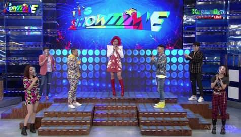 WATCH: Vice Ganda, Showtime family, ipinagdiriwang ang pagbabalik sa free tv ng ABS-CBN programs Image Thumbnail