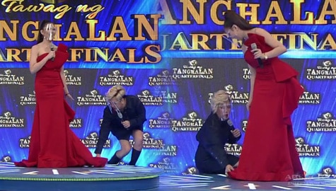 It's Showtime: Vice Ganda, inayos ang gown ng isang TNT 4 Quarterfinals contender