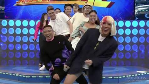 Showtime family, masayang in-enjoy ang kanilang bagong sayaw | It's Showtime Image Thumbnail