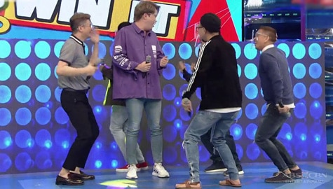Team Vhong, sabay-sabay na sinayawan ng 'Chikaboom' si Ryan Bang! | It's Showtime Image Thumbnail